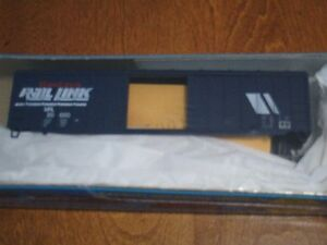 HO scale Montana Rail Link Rail Box Box car