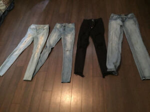LOT OF SKINNY JEANS SIZE 5(SMALL ) $5 EACH