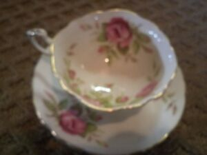 PARAGON PINK ROSES TEA CUP AND SAUCER Windsor Region Ontario image 1
