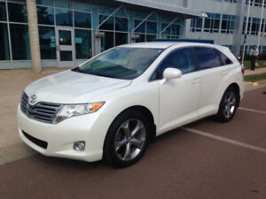 2009 Toyota Venza V6 AWD with Leather Interior
