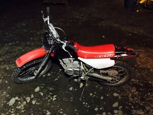 Honda dirt bike, 1,000$ Williams Lake Cariboo Area image 9