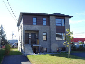 NEUF - Longueuil 4 1/2 Style condo DISPONIBLE