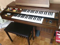 YAMAHA DUAL KEYBOARD ORGAN