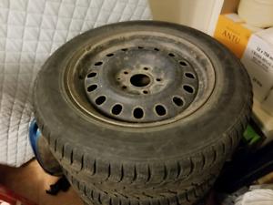 4 pneu hiver sur mags 225/65R17
