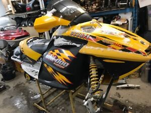 Parting out 04 rev 800 skidoo
