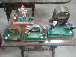 Mechanical coin banks