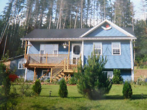 House/Cottage - Old Bonne Bay Pond - Year Round Access