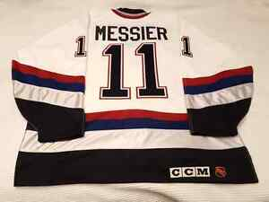 "Mark Messier 1997-98 Vancouver Canucks ""All-Star Patch"" CCM Size Edmonton Edmonton Area image 6"