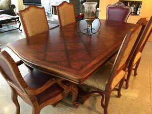MOVING SALE-Ethan Allen Solid wood dining set with veneer inlay