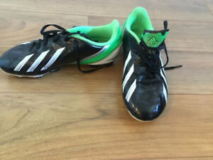 Adidas size 2 boys soccer cleats