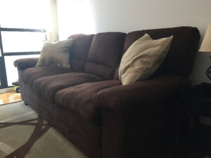 Couch/Sofa  - Comfortable 3-Seater
