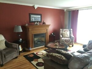 Beautiful 3 Bedroom Main Floor Apartment in CBS