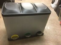 Recycling / Sorting bin