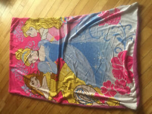 Disney Princesses fleece throw blanket