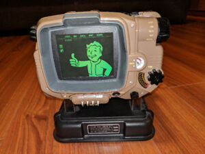 Fallout 4 - Xbox One - Pip Boy Edition + Collector's Guide