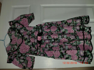 Girls Dress Size 8  Special Occasion Cotton with Flower Pattern