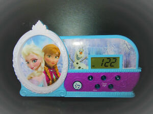 DISNEY FROZEN MUSICAL ALARM CLOCK: ELSA & ANNA NIGHT LIGHT MUSIC