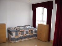 Large twin room to rent -share or private- in Mile End, all bills included, free wifi, 145