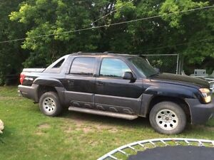 Quick sell $1900 04 Avalanche