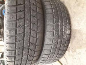 2 pneus d'hiver toyo 225/55r18