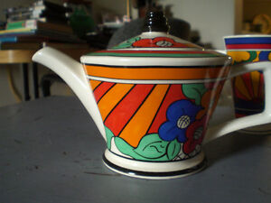 Tea Pot --Clarice Cliff inspired teapot, cups, coasters Stratford Kitchener Area image 1