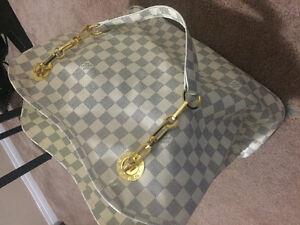 Designer Louis Vuitton Leather Purse
