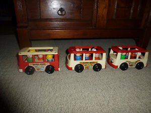 Vintage Fisher Price Little People 3 car circus train