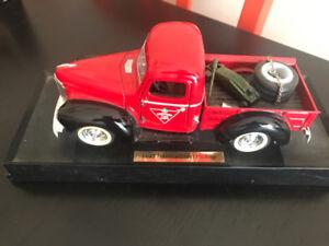 Canadian Tire Die Cast Truck 1947 International Pickup
