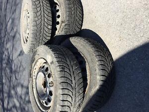Pneus d'hiver /winter tires 185/65/14 Champiro Ice Pro
