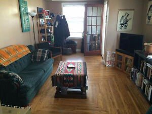 Centrally located, 3-br, ONLY 1 block from LRT Station & U of A