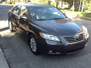 TOYOTA CAMRY * XLE * 2007 +CUIR TOIT MAG+ SEULEMENT 64200 KM