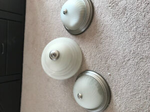 Indoor 3 light in perfect condition with energy bulbs