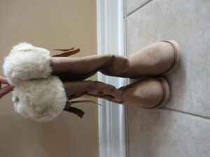 Old Navy women's tan faux suede winter boots Size 6 New with tag London Ontario image 4