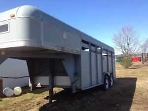 Livestock or horse trailer & flatbed feather lite equipment Kingston Kingston Area image 3