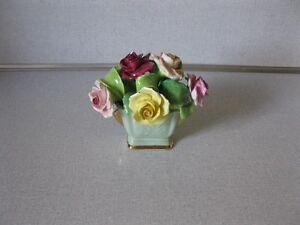 """Bibelot-vase 7 fleurs """"Floral""""."""