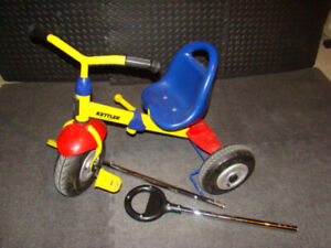 Tricycle Kettler ajustable, pneus gonflables et tige de guidage