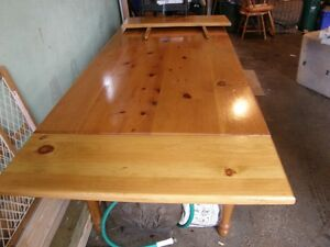 Pine Shaker table and chairs Kitchener / Waterloo Kitchener Area image 4