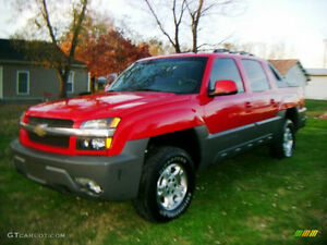 2004 Chevrolet Avalanche XL Pickup Truck