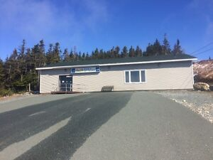 Large commercial building for lease