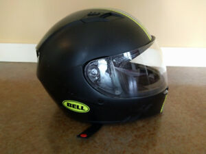 Motorcycle Helmet - Men's L