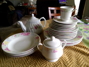 Dishes, 6 place setting