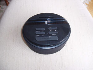 ALARM CLOCK RADIO FOR ANY APPLE DEVICE West Island Greater Montréal image 2