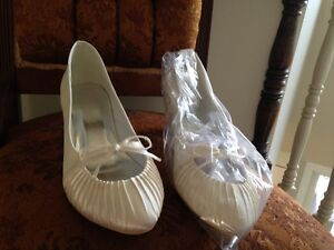 white wedding shoes dyable brand new never work low heel