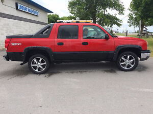 2003 Chevrolet Avalanche Pickup Truck