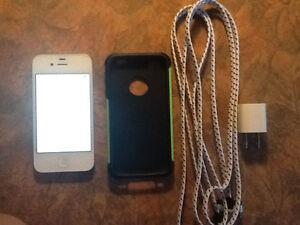 IPhone 4S avec accessoires