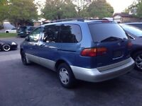 1998 toyota sienna LE $1800 obo need gone asap