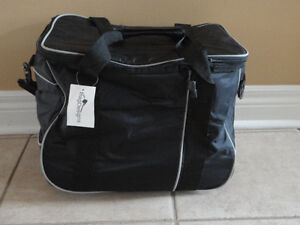Insulated black picnic bag lunch bag with wheels New with tags London Ontario image 1