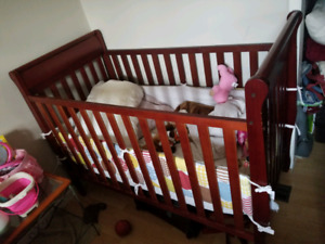 Crib and chnage table