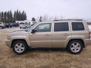 2010 Jeep Patriot SE 4wd.  MB vehicle. $4,995...