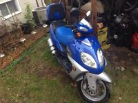2008 Daymak scooter, very low km! Excellent shape, lots extras!